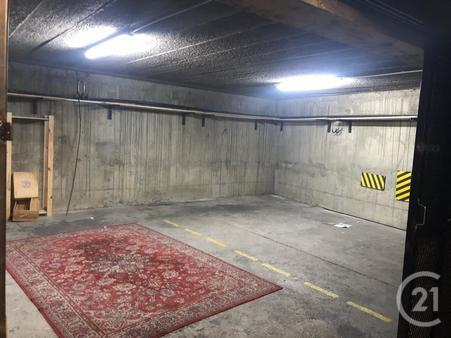 Parking à louer - 45 m2 - PARIS - 75018 - ILE-DE-FRANCE
