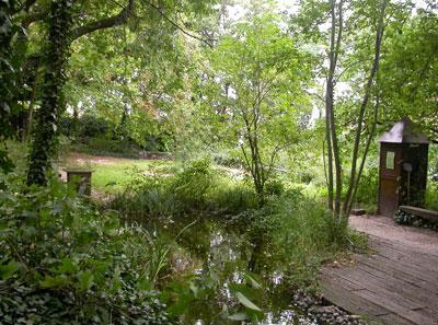 Promenade bucolique au jardin saint vincent paris 18 me for Agence jardin immobilier